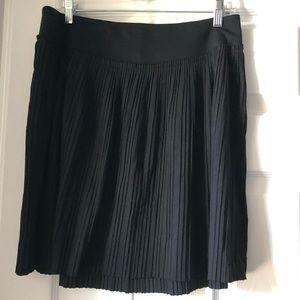 Banana Republic pleated black skirt